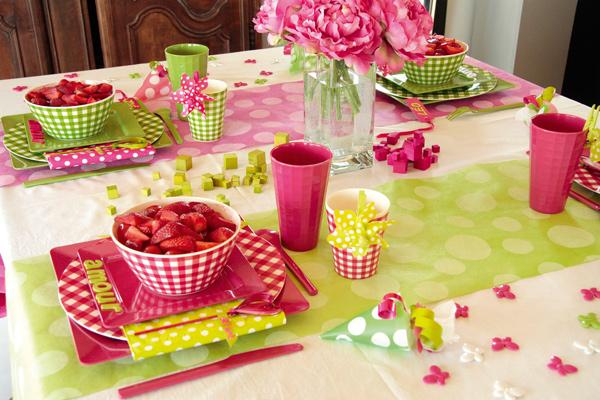 Chemin de table à pois pour votre décoration de mariage