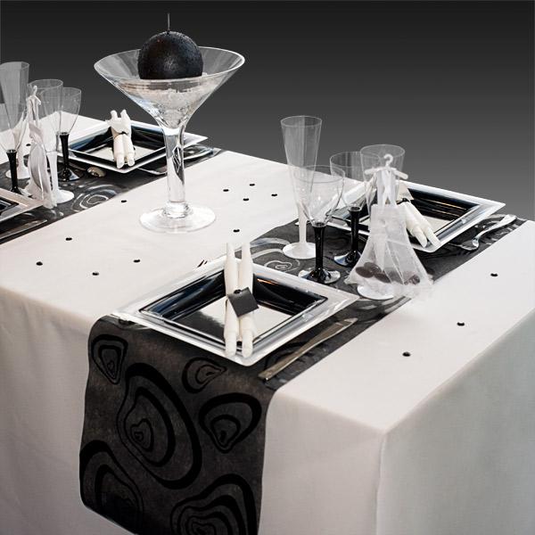 d coration de table de mariage en noir gris blanc. Black Bedroom Furniture Sets. Home Design Ideas