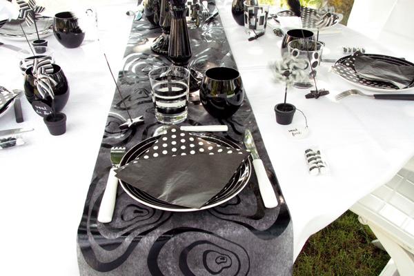 Chemin de table Zebra pour votre décoration de mariage