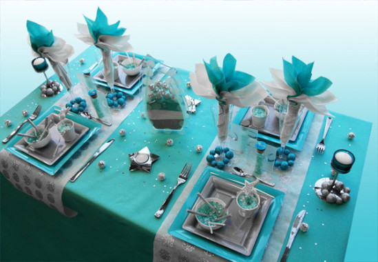 Decoration-de-table-Noel-turquoise-gris-blanc-2
