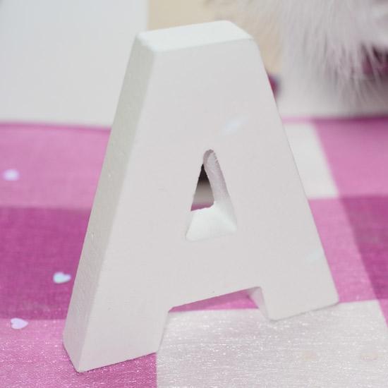 Lettre en bois décorative