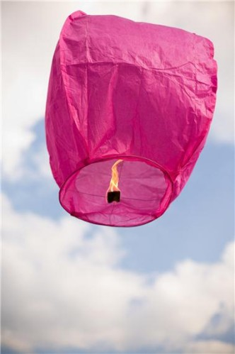 I-Grande-9763-1-lanterne-volante-thailandaise-fuchsia.net