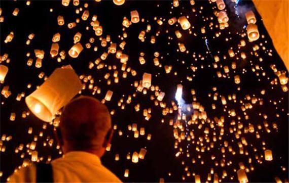 I-Grande-9928-1-lanterne-volante-thailandaise-verte.net.jpg