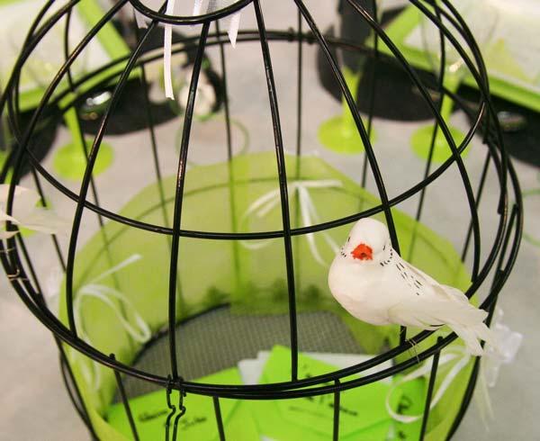 Décoration de table : en vert, noir et blanc : oiseaux et noeuds automatiques