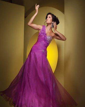 Futures mariées, osez la couleur : rose et violet !