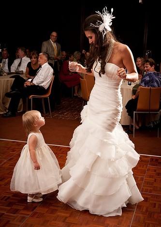 Les photos à ne pas oublier : photos des mariés déchaînés sur la piste de danse