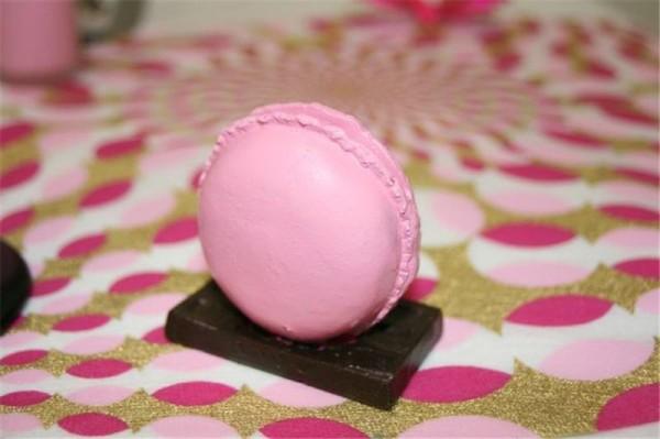 Nouveau ! Le porte-nom macaron rose