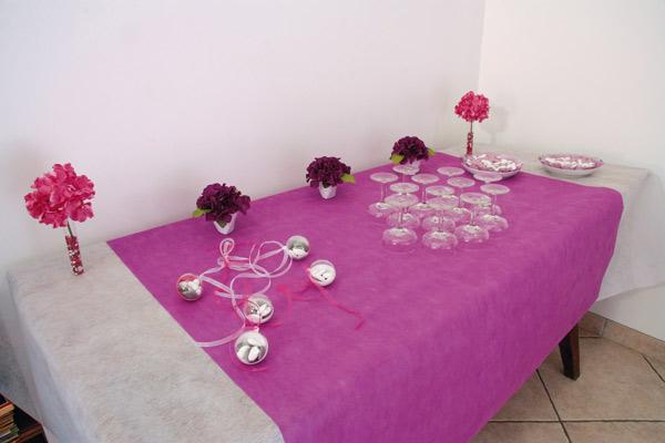 Table de vin d'honneur fuchsia