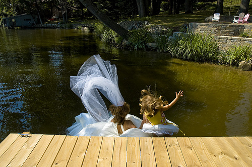 Organisez un trash the dress avec vos enfants !