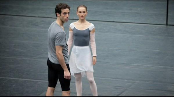 La-metamorphose-de-Black-Swan-chapitre-2-Natalie-Portman-et