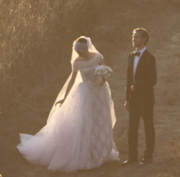 Anne Hathaway : vive la mariée !
