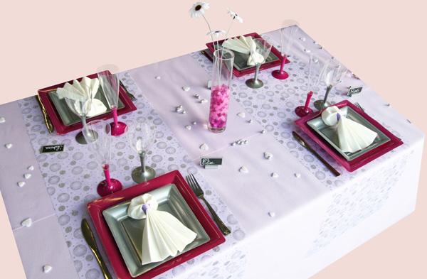 Décoration de table parme, fuchsia et gris