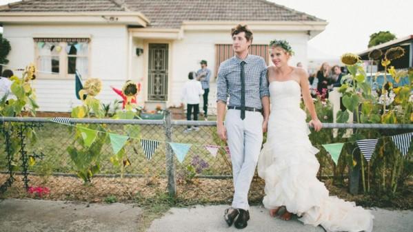 Couple de mariés tendance