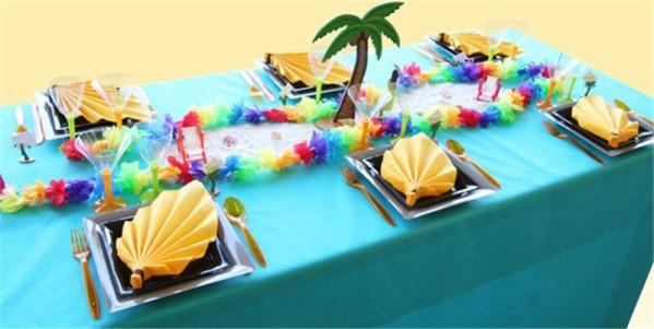 Décoration de table estivale et tropicale