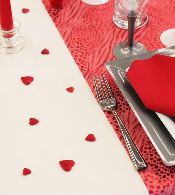 Confettis de table en forme de coeurs