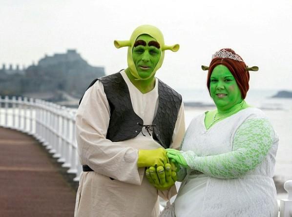 Ils se marient déguisés en Shrek et Fiona