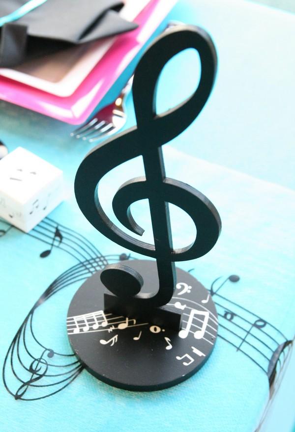 une d coration de table musicale pour votre mariage d coration f te mariage. Black Bedroom Furniture Sets. Home Design Ideas