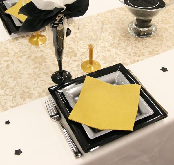 Inspirez-vous de cette décoration dorée et noire !