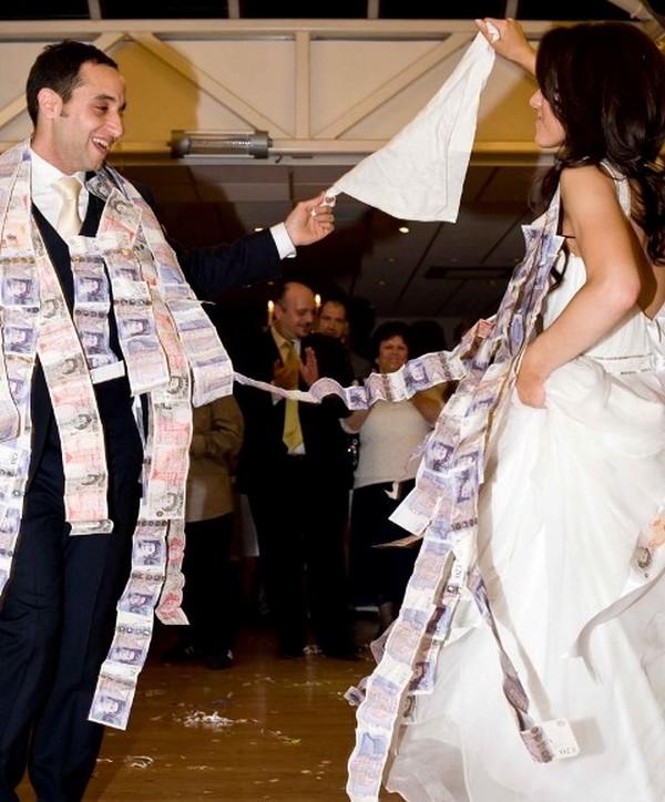 Tradition grecque : la Money Danse