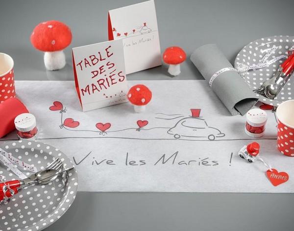 Un nouveau chemin de table Vive les Mariés !