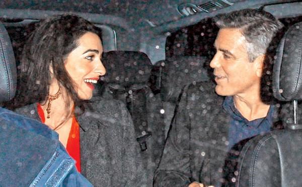 George Clooney s'est fiancé à sa petite amie
