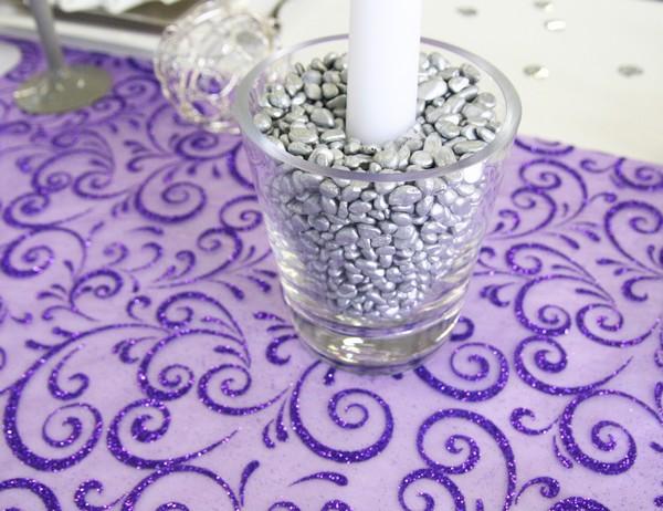 Bougeoir en verre et pépites décoratives