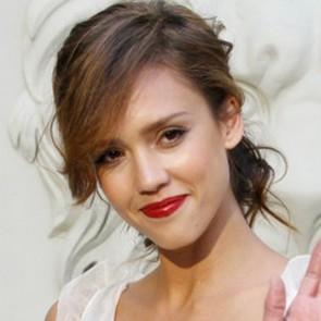 Les plus jolies coiffures de Jessica Alba