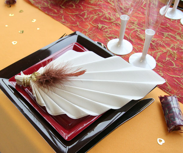 La petite histoire des pliages de serviettes d coration f te mariage - Decoration de serviette pour mariage ...
